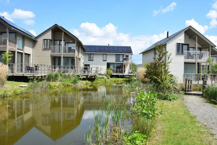 Vakantiewoning domein golden lakes village l08 boussu lez for Hotel al heure liege