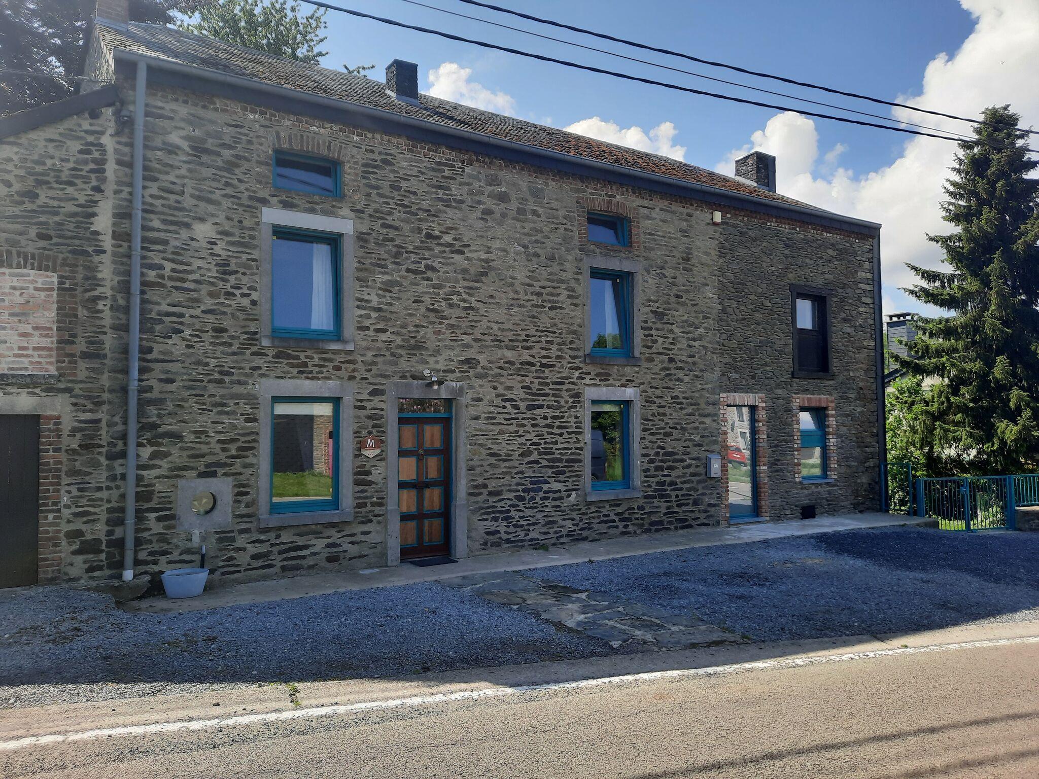 Vakantiewoning villa d 39 orchimont orchimont ardennen - Casa con piscina interna affitto ...