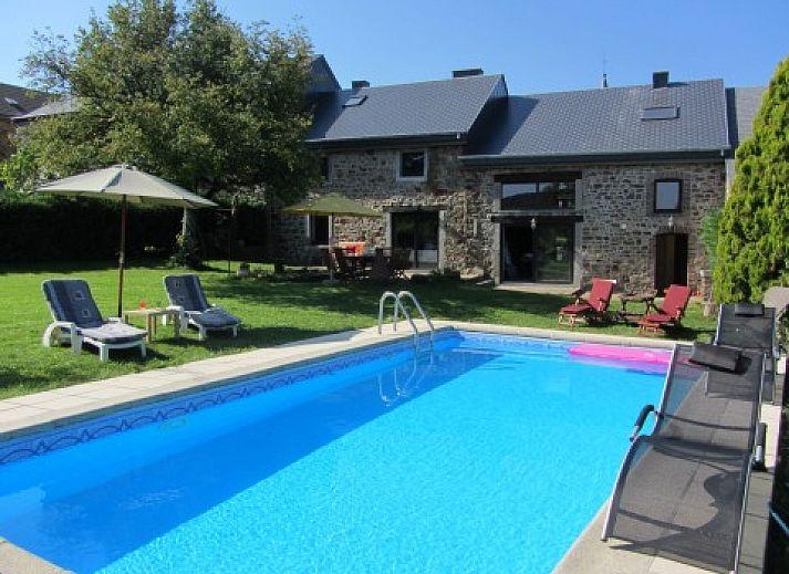 Logement de vacances belle campagne erez e luxembourg for Piscine belgique